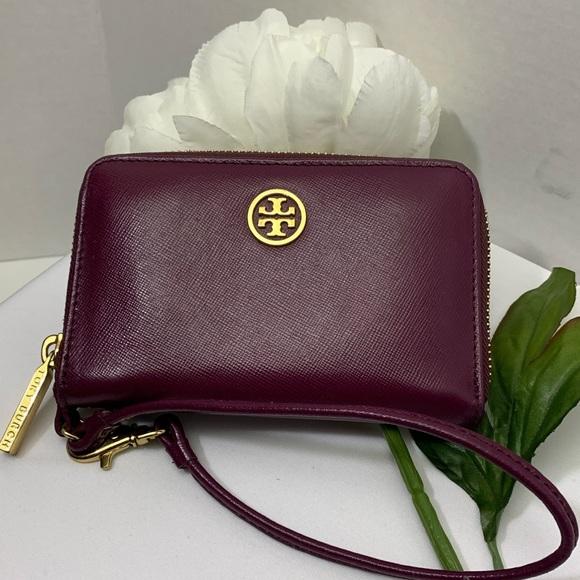 Tory Burch Handbags - Tory Burch Wallet Style Wristlet